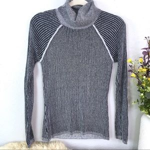 A&F fitted turtleneck open back rubbed textured